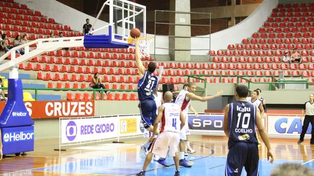 Suzano x Minas (Foto: Thiago Fidelix)