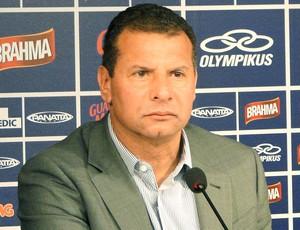 Celso Roth apresentado no Cruzeiro (Foto: Marco Antônio Astoni / Globoesporte.com)