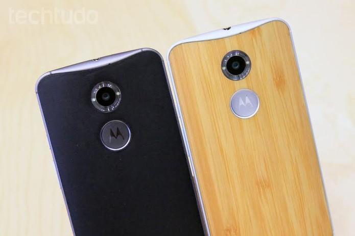 Novo Moto X tem opções de traseira feitas de bambu e de couro (Foto: Isadora Díaz/TechTudo)