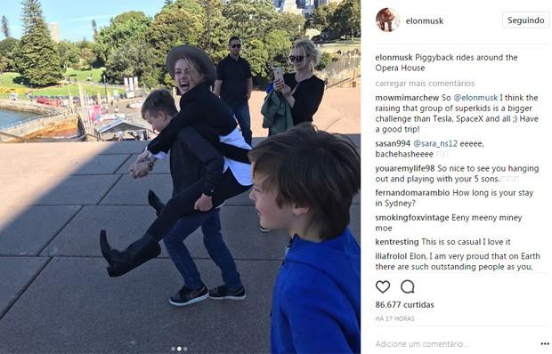 Elon Musk posta fotos de Amber Heard brincando com seus filhos (Foto: Reprodução/Instagram)