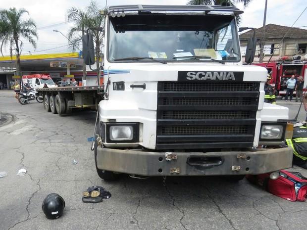 Acidente aconteceu próximo à avenida Nossa Senhora de Fátima, em Santos (Foto: Roberto Strauss/Arquivo Pessoal)