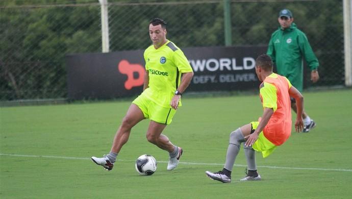 Daniel Carvalho, meia do Goiás (Foto: Rosiron Rodrigues/Goiás E.C.)