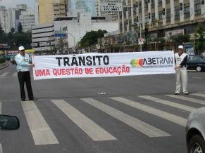 Campanha ABETRAN contra violência no trânsito (Foto: Divulgação / ABETRAN)