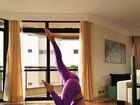 Ex-BBB Renatinha posa fazendo ioga: 'Me sinto mais forte'