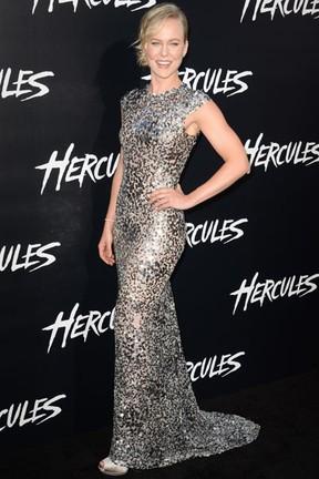 Ingrid Bolso Berdal em première em Los Angeles, nos Estados Unidos (Foto: Robyn Beck/ AFP)