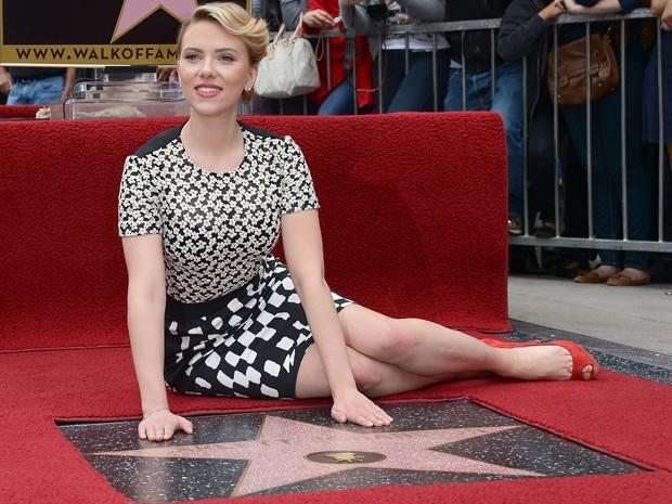 Scarlett Johansson ganha estrela na calçada da fama em Hollywood, nos Estados Unidos (Foto: Jason Merritt/Getty Images/AFP)