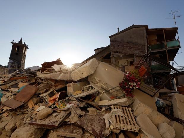 Resultado de imagem para terremoto itália