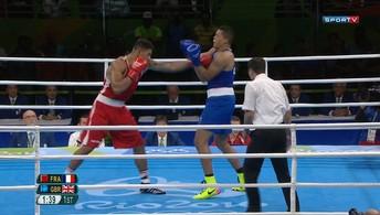 Nos pesos pesados, francês ganha a última medalha em disputa no boxe olímpico