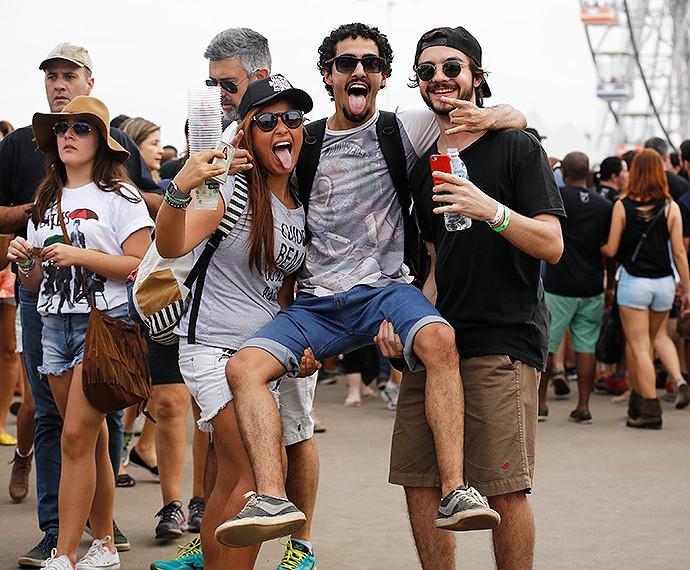 Amigos fazem caras e bocas para foto do Gshow (Foto: Fábio Rocha/Gshow)