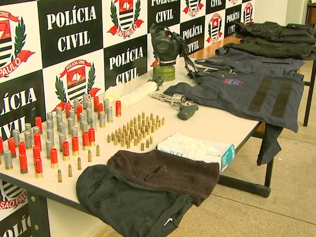 Arsanal foi encontrado com suspeito preso em Ribeirão Preto (Foto: Maurício Glauco/EPTV)