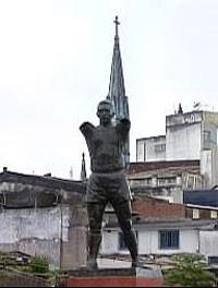 pelé estátua (Foto: Reprodução/TV Bahia)