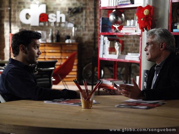 Érico fica sabendo que Nélson está com Verônica (Foto: Ellen Soares / TV Globo)