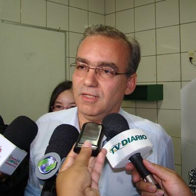 Firmino manda tirar de pauta projetos apresentados por Elmano na Câmara (Foto: Viviana Braga)