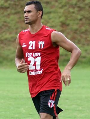 Otacílio Neto, atacante do Botafogo-SP (Foto: Cleber Akamine)