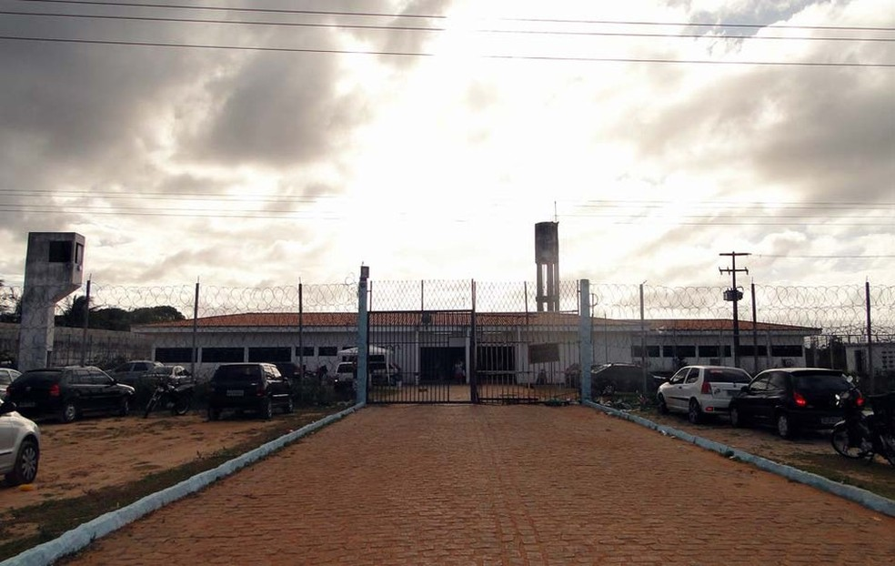 Penitenciária Estadual de Parnamirim, na Grande Natal, registrou a maior fuga de presos da história do RN (Foto: Ricardo Araújo/G1)