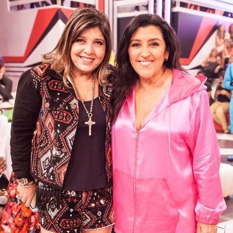 Roberta Miranda e Regina Casé (Foto: TV Globo/Pedro Curi)