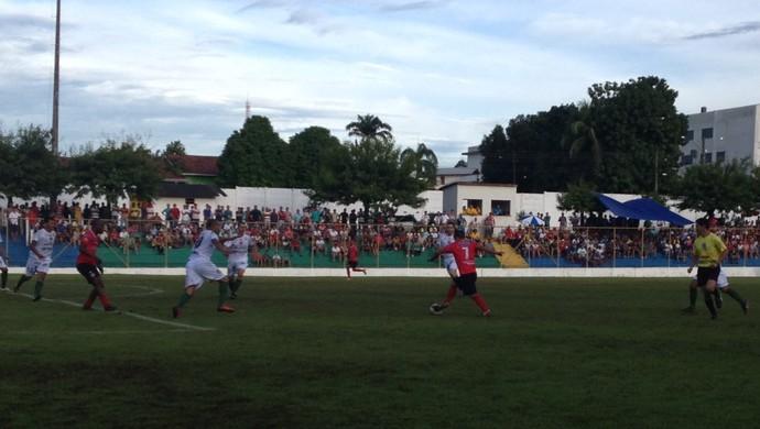 União Cacoalense e Pimentense na primeira rodada do Rondoniense 2014 (Foto: Fernanda Bonilha)