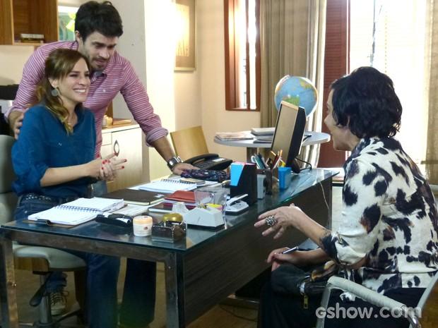 Raissa se emociona ao receber a notícia (Foto: Malhação / TV Globo)