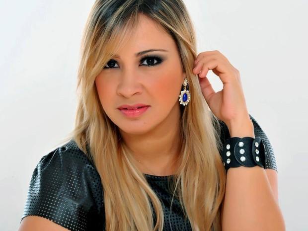 a52035e3567f3b G1 - Michelle Menezes reforça comissão de frente da Calcinha Preta ...