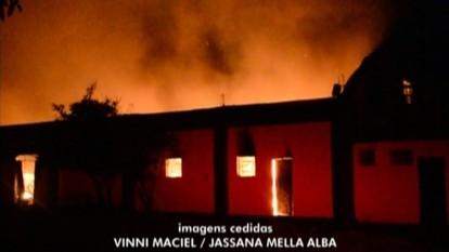 Incêndio atinge pavilhão industrial em Bento Gonçalves, RS