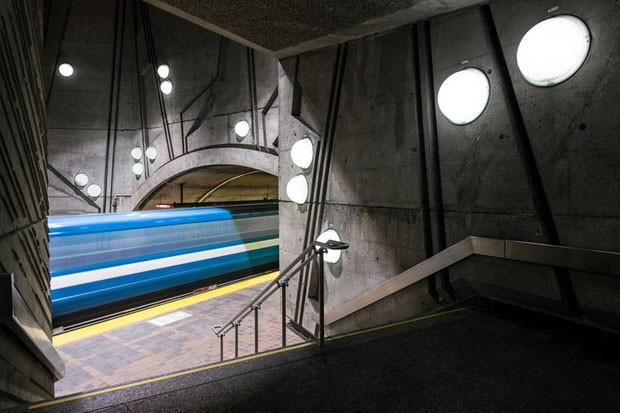 Fotógrafo registra metrôs grafitados ao redor do mundo (Foto: Divulgação)