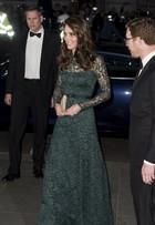 Look do dia: Kate Middleton usa vestido logo de renda em baile de gala