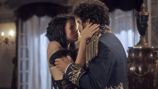 Autores comentam relação entre Pedro e Domitila e adiantam: 'Nitroglicerina pura!'