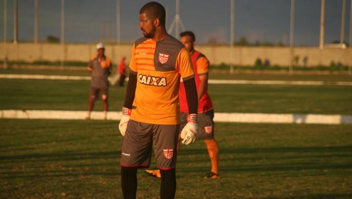 Júlio César CRB (Foto: Douglas Araújo/Assessoria do CRB)