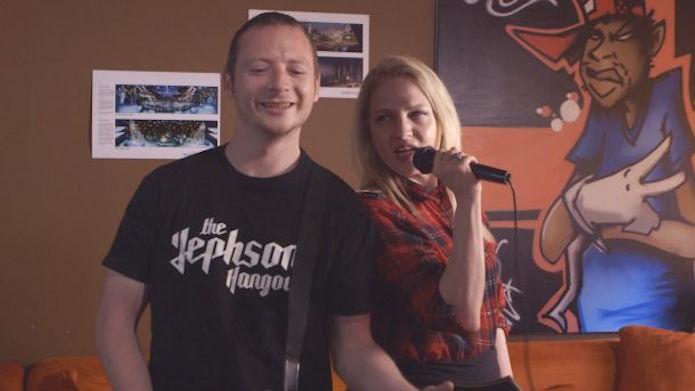 Guitar Hero Live: jogadores poderão  usar smartphones como microfones no game (Foto: Reprodução/Activision)