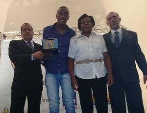 Prêmio Panathlon Juiz de Fora 2014 zagueir Marcelo Flamengo (Foto: Bruno Ribeiro)