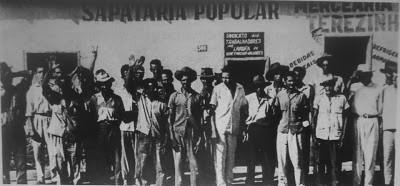Chicão na frente do Sindicato do Produtores Rurais Lavradores de Valadares em 1964. (Foto: Tim Filho/Arquivo Pessoal)