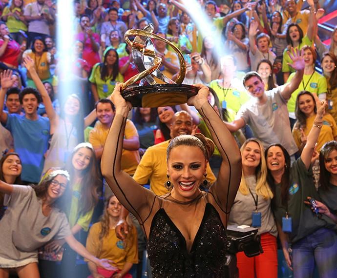 Viviane Araújo é vencedora da 'Dança 2015' (Foto: Carol Caminha/Gshow)