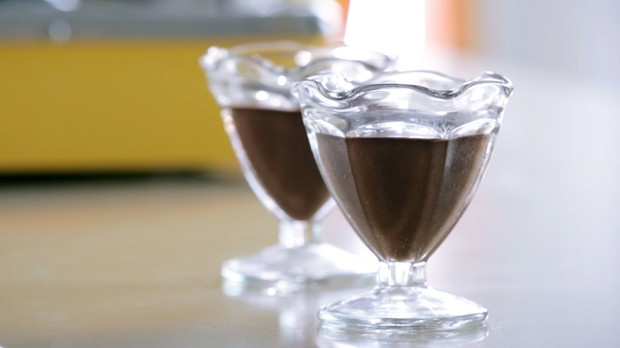 Mousse de chocolate da Bela Gil para o Bela Cozinha (Foto: Reproduo/GNT)
