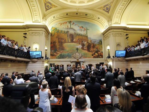 Prefeito reeleito Eduardo Paes toma posse na Câmara do Rio (Foto: Alexandre Durão / G1)