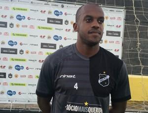 Léo Fortunato zagueiro do ABC (Foto: Carlos Cruz/GloboEsporte.com)