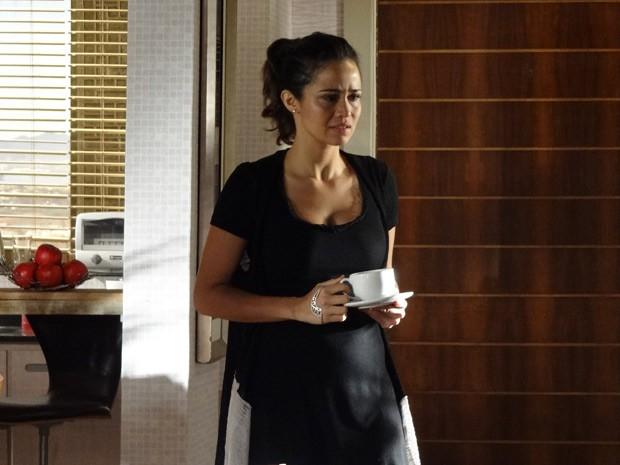 Morena descobre que Lívia e Théo tiveram um caso (Foto: Salve Jorge/TV Globo)