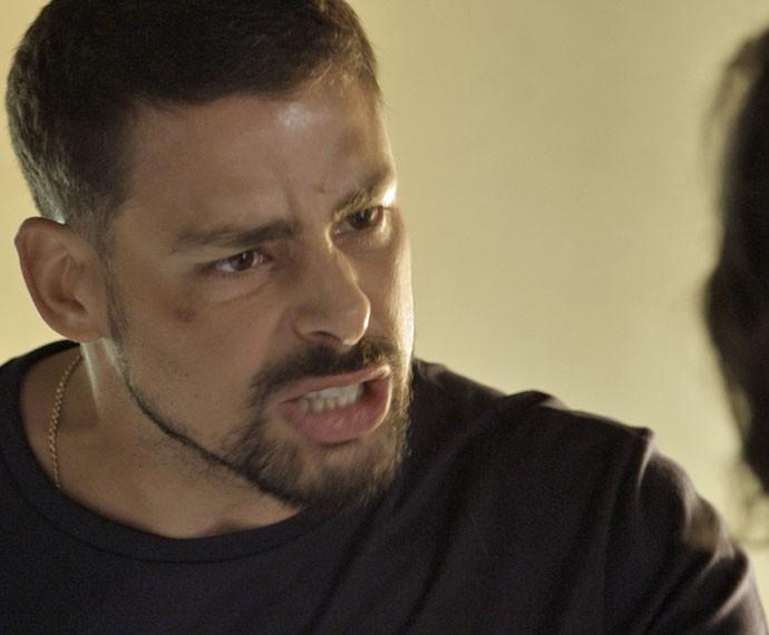 Juliano bate de frente com o pai (Foto: TV Globo)