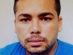 Jariedson Bezerra de Moura, de 25 anos, é fugitivo do presídio de Alcaçuz e foi preso suspeito de envolvimento com explosões a caixas eletrônicos. (Foto: Divulgação/ Polícia Civil)