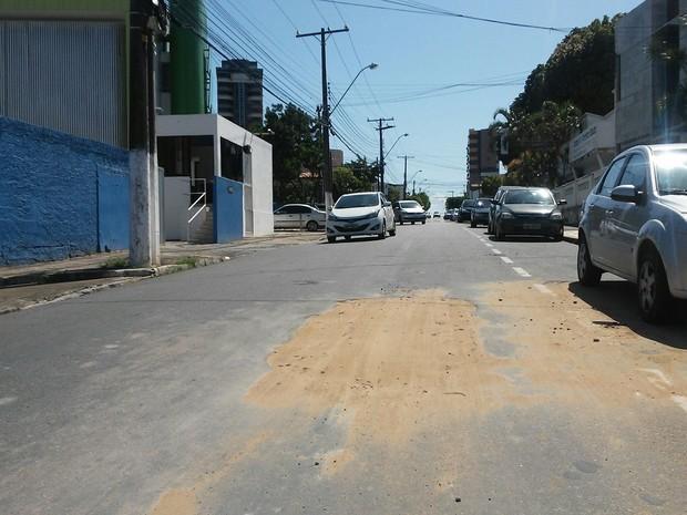 Buraco foi fechado nesta sexta-feira  (Foto: Lucas Leite/G1)