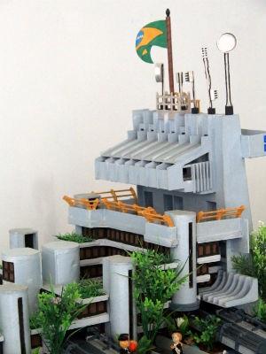 prefeitura da cidade também virou obra do artista (Foto: Divulgação)