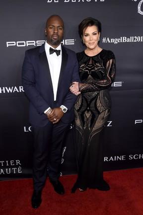 Kris Jenner e o namorado, Corey Gamble, em evento em Nova York, nos Estados Unidos (Foto: Jamie McCarthy/ Getty Images/ AFP)