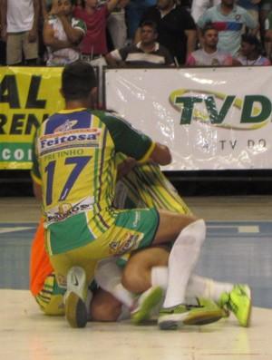 Crateús x Mombaça final Cearense de Futsal comemoração (Foto: Juscelino Filho)