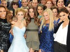 Victoria Beckham posa com ex-companheiras de Spice Girls