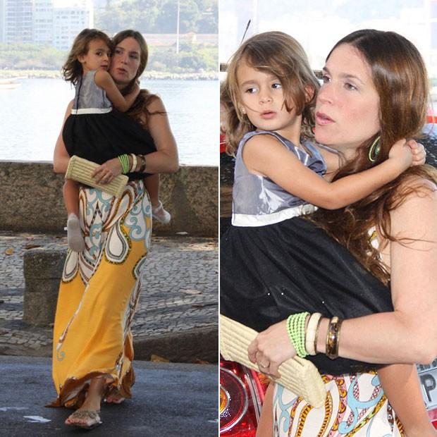 Vanessa Lóes e a fillha, Cora (Foto: Alex Palarea/AgNews)