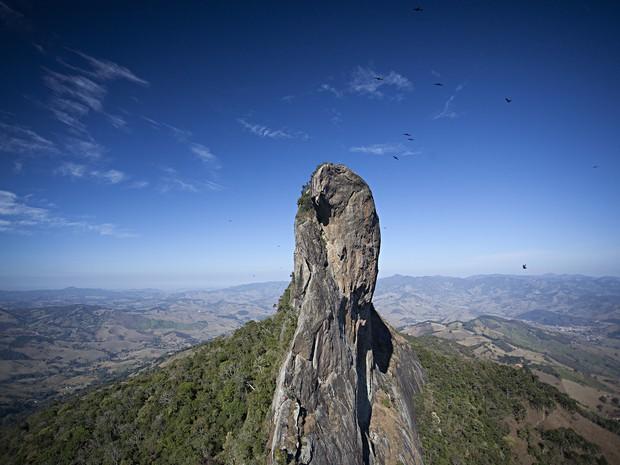Pedra do Baú São Bento do Sapucaí Página Especial de Inverno (Foto: Ricardo Martins/Divulgação)