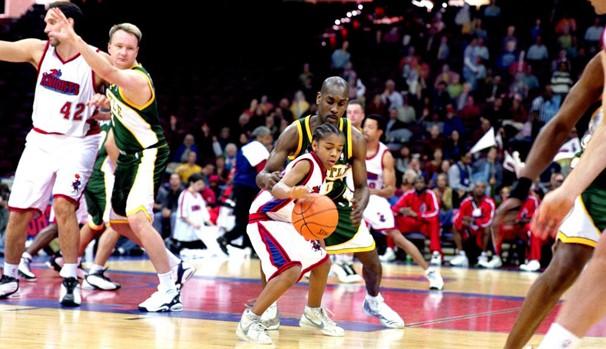 Calvin Cambridge (Bow Wow) encontra seu lugar entre as feras do basquete (Foto: Divulgação/Reprodução)