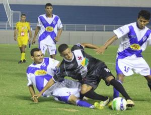 Vasco e Amax se enfrentam no estádio Florestão (Foto: Francisco Dandão/Arquivo Pessoal)