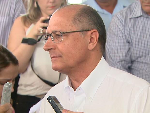 O governador de SP, Geraldo Alckmin, assinou convênios em São José da Bela Vista (Foto: Valdinei Malaguti/EPTV)