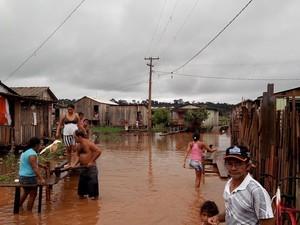 Alagamento altamira (Foto: Glaydson Castro / TV Liberal)