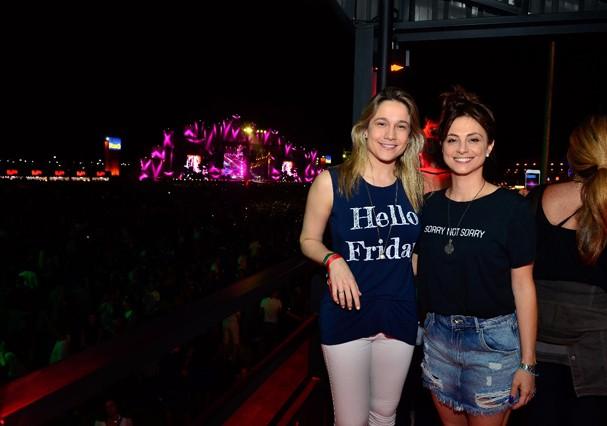 Fernanda Gentil com a namorada no Rock in Rio (Foto: Felipe Panfili/Divulgação)